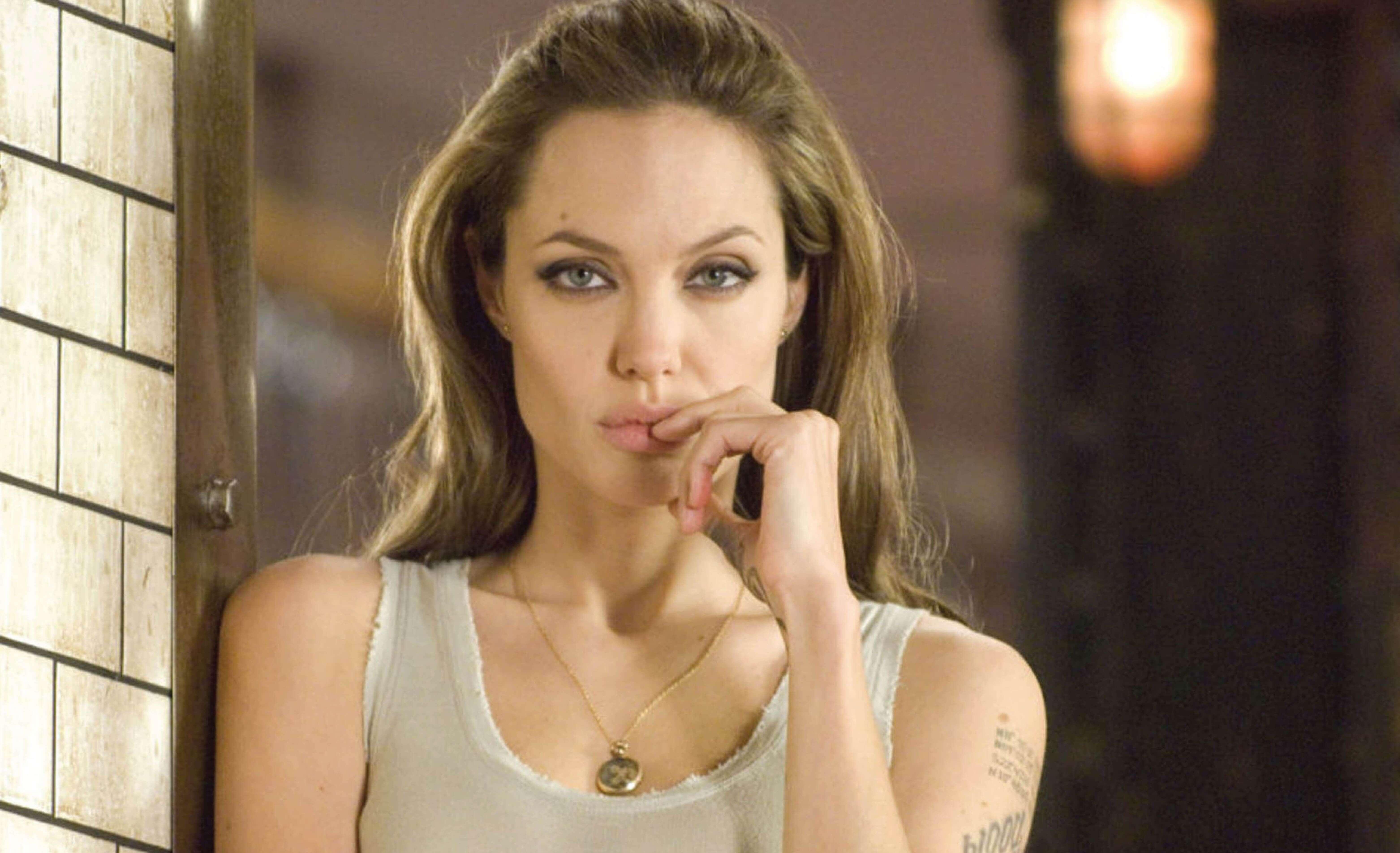 Has Angelina Jolie had Cosmetic Surgery?