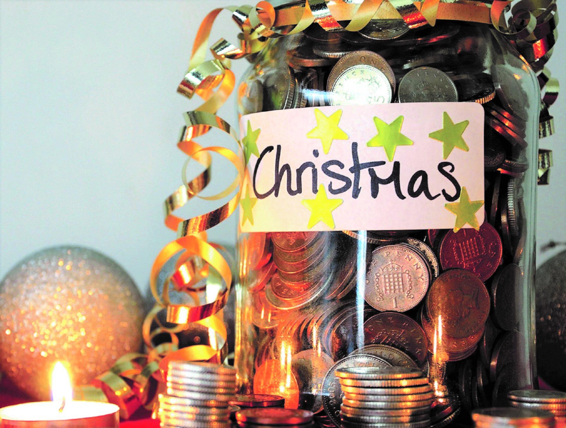 6 BUDGET HACKS TO HELP SAVE FOR CHRISTMAS